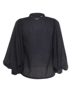 Camicia coreana con manica raglan arricciata.